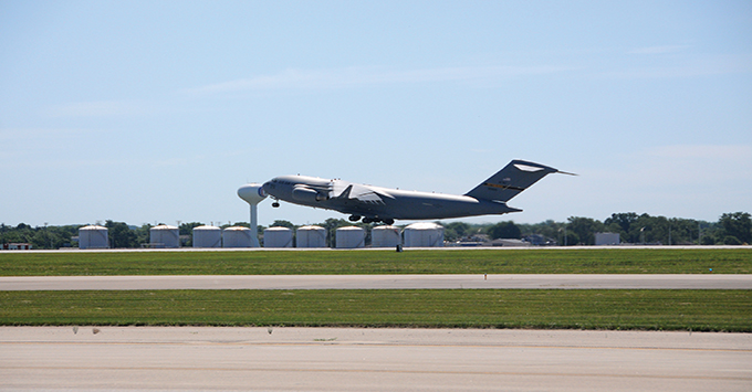 Pittsburgh C-17 takes flight from WPAFB